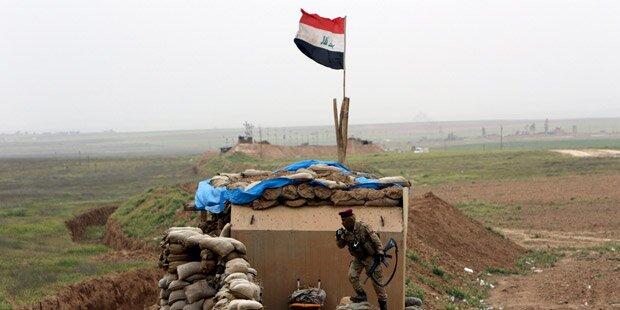 Jihadisten griffen Anti-IS-Stützpunkt an