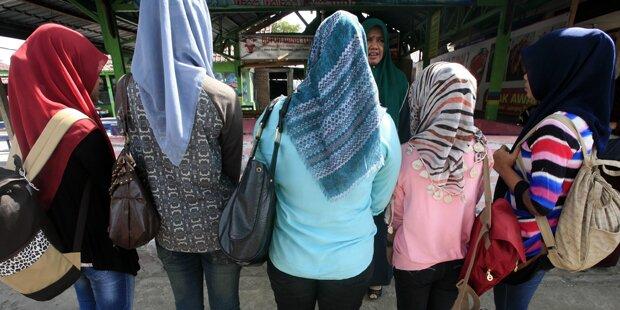 2-Finger-Test: Nur Jungfrauen zur Polizei