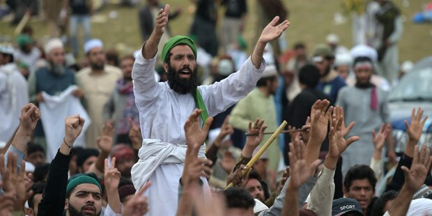 Islamabad stellt Handynetze ab