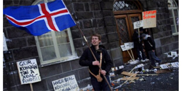 Ausschreitungen bei Demonstration auf Island