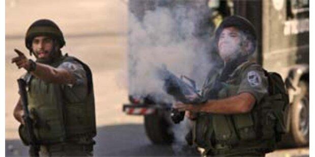 Israelische Armee erschießt drei Bombenleger