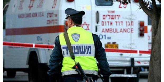 Israeli überfährt Palästinenser mehrmals