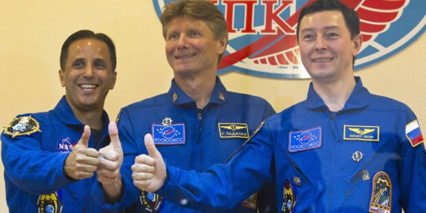 Drei Raumfahrer unterwegs zur ISS