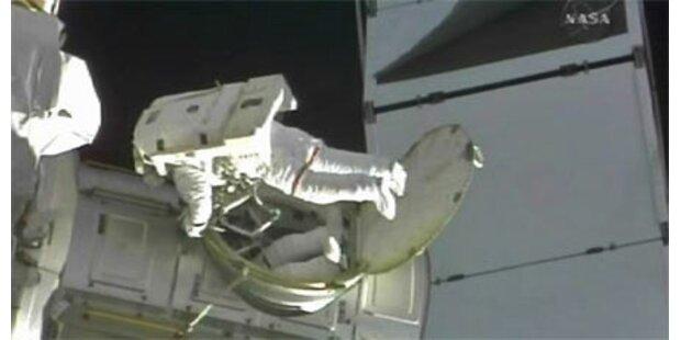 Weltraumschrott bringt ISS in Gefahr