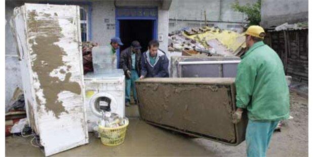Nach Fluten wüten Plünderer in Istanbul
