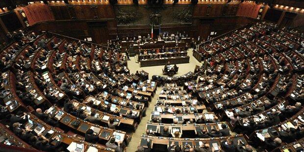 Verletzte nach Tumulten im Parlament