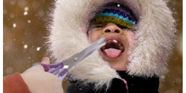 Lehrerin schnitt Schulkind mit Schere in die Zunge