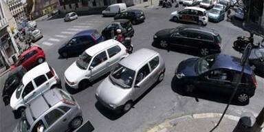 italy_cars_reuters_121219e