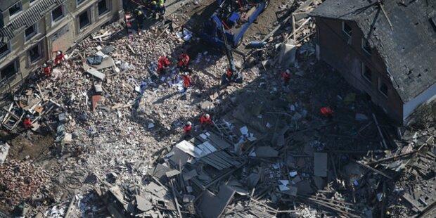 Wohnhausexplosion: Vier Tote geborgen
