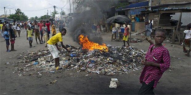 Côte d'Ivoire: Massenflucht nach Staatskrise