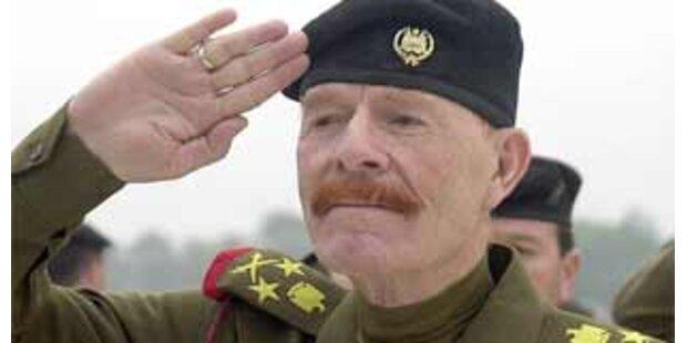 Rechte Hand Saddams meldet sich per Tonband