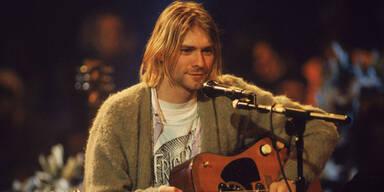 Kurt Cobains Strickweste für Rekordpreis versteigert