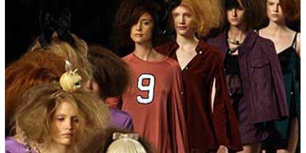Marc Jacobs schickt Models zerrauft auf den Catwalk