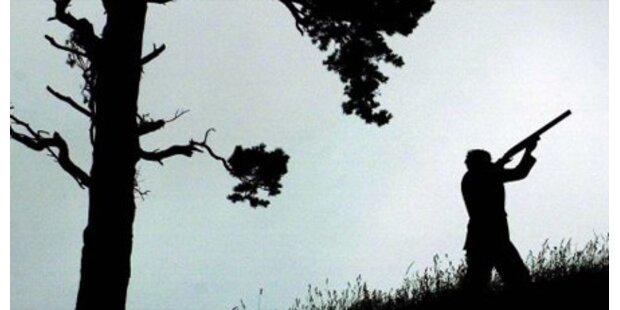 Jäger stürzt in NÖ tödlich ab