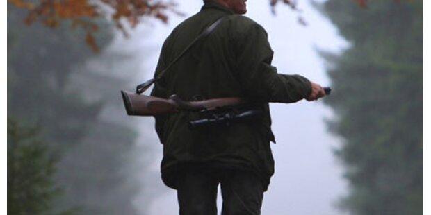 Jäger erschießt freilaufenden Kampfhund