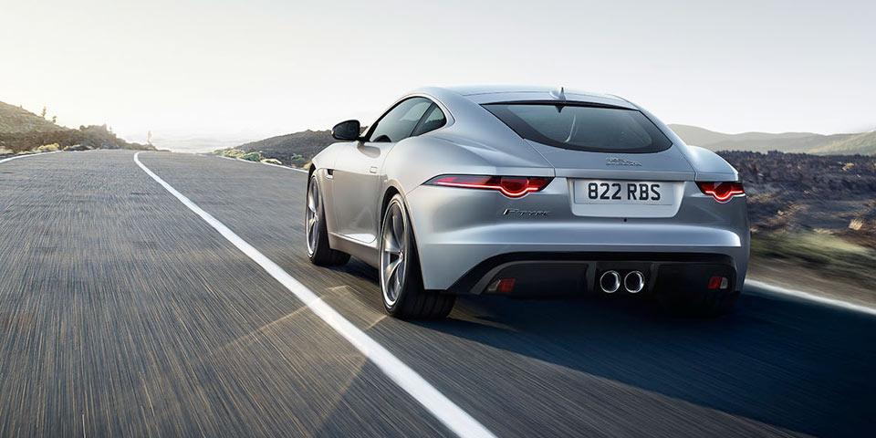 jaguar-f-type-2018-920-off1.jpg