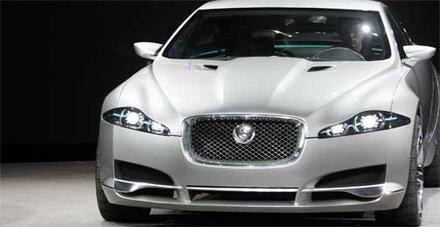 Jaguar mit 715 Mio. Dollar Verlust