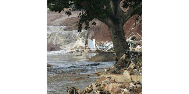 50 Tote nach Dammbruch in Indonesien