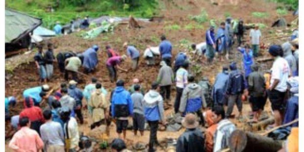 81 Menschen bei Erdrutschen in Indonesien getötet