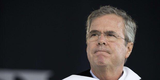 Wahlkrimi: Bush holt gegen Clinton auf