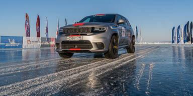 Jeep mit neuem Speed-Rekord auf Eis