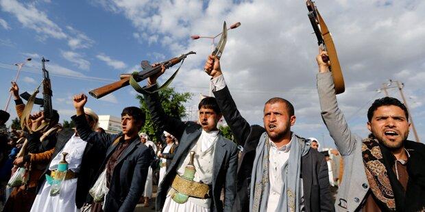Anschlag auf Armeeanwärter: 28 Tote