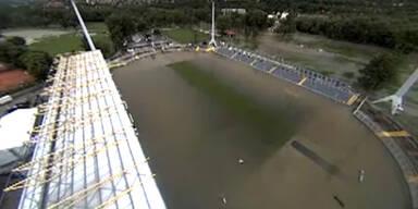 Stadion in Jena komplett überflutet