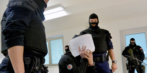 Jihadist als Flüchtling getarnt: 2 Jahre Haft