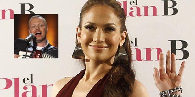 Jennifer Lopez kuschelt auf Raabs Couch