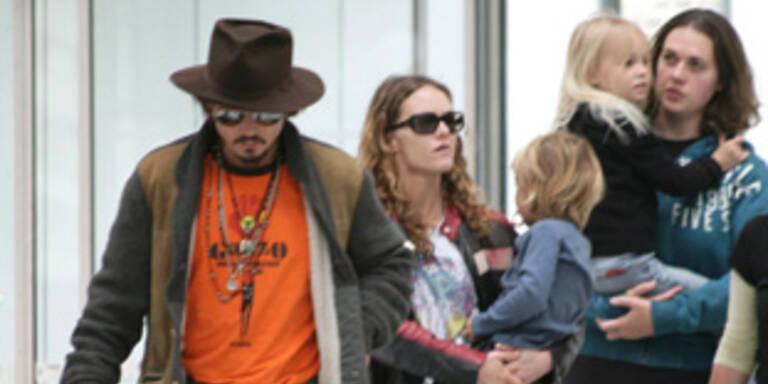 Mit ihren Kindern Lily-Rose (8) und Jack (6) wollen Depp und Paradis in Georgia ihr Hochzeitsfest feiern.