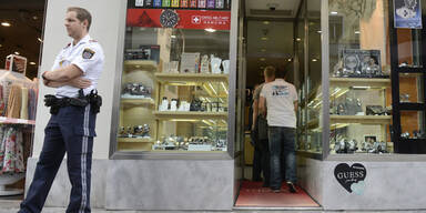 Maskenmänner überfallen Juwelier