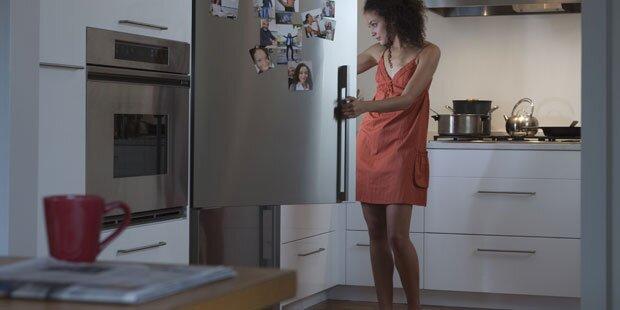 Nachts bleibt der Kühlschrank zu!