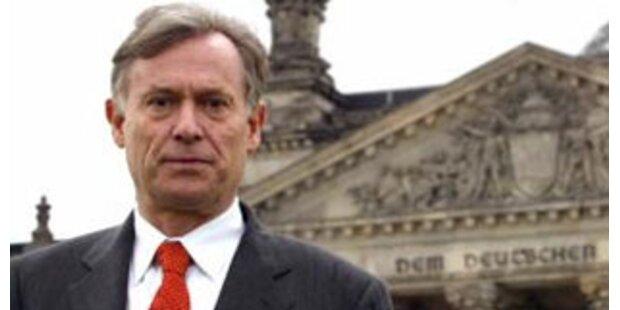 Deutscher Bundespräsident von Verwirrtem attackiert