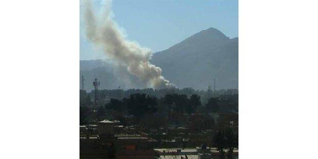 Taliban greifen Ministerien in Kabul an