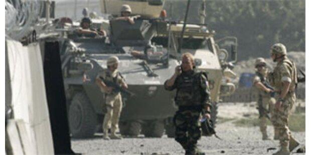 Ein Toter bei Anschlag auf Flughafen von Kabul