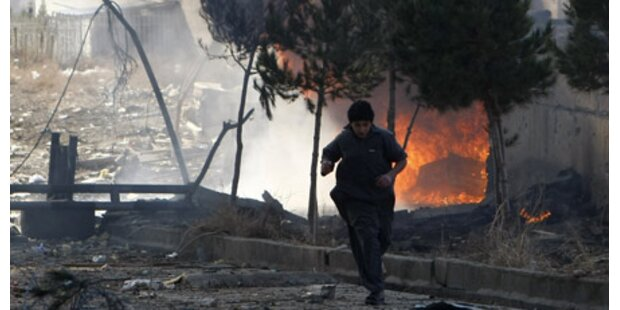 Bombe explodiert vor Hotel - acht Tote