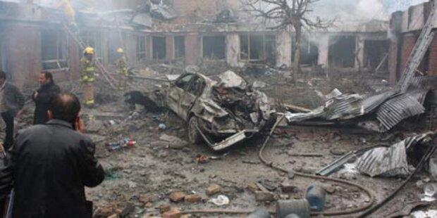 Taliban zünden Bomben - 17 Tote