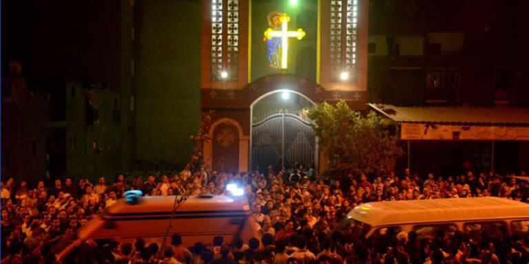 Kairo: Drei Menschen vor Kirche erschossen