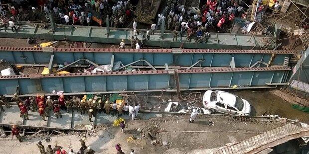 Brückeneinsturz in Kalkutta: 14 Tote