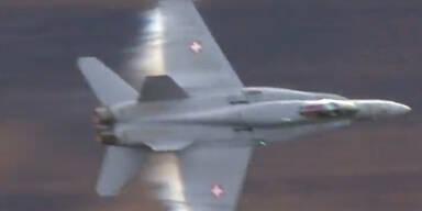 Imposant: Aufnahmen von Kampfjet