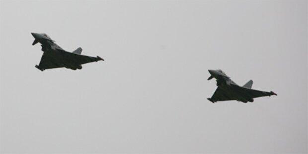 Zwei griechische Kampfjets kollidiert