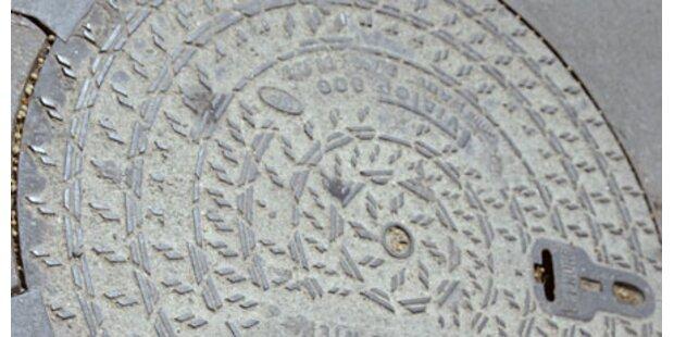 Frau (83) stürzt in Gully-Schacht: Tot