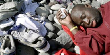 Zwei Leichen auf afrikanischem Flüchtlingsboot