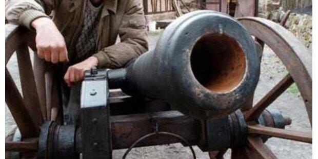 Selbstgebaute Kanone verletzte Männer