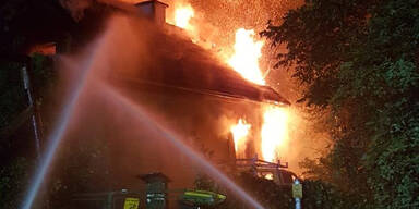Granaten! Explosionen bei Brand in Haus