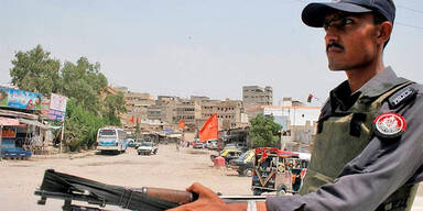 Pakistan: Polizist in Karachi
