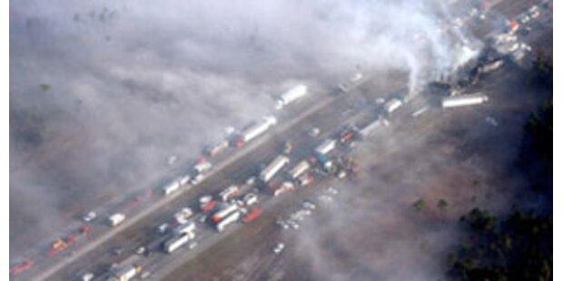 Massenkarambolage mit 50 Fahrzeugen in Florida
