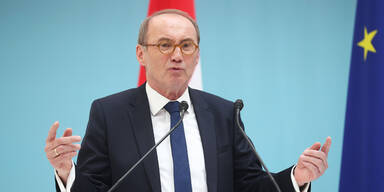 Karas bleibt ÖVP-Leiter im EU-Parlament