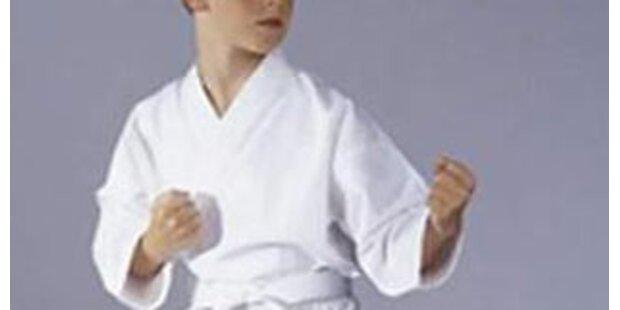 Elfjähriger Karatekämpfer vertrieb Sexunhold