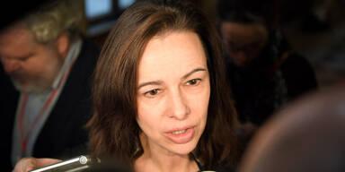 Grünen-Streit beschert Karmasin 160.000 Euro